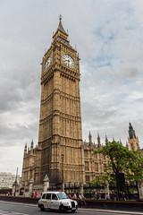 Big Ben - London (Augusto CalGar) Tags: bigben london londres westminster england inglaterra cab white reloj tower clock nikon d3200 nikond3200 sigma sigma1750 1750