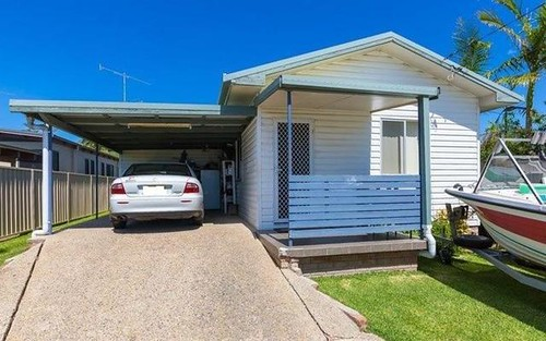 17 Pullen St, Woolgoolga NSW 2456