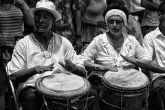 Ritmo de tambores (Jaime Recabal) Tags: canon 40d recabal juncos plazadejuncos tambores festivaldetambores monochrome blackandwhite blancoynegro puertorico