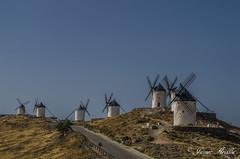 En un lugar de la mancha... (Javier Arcilla) Tags: castillalamanca consuegra españa molinos viento molinosdeviento cielo azul pentax pentaxk50 k50 pentax1855mm 1855mm