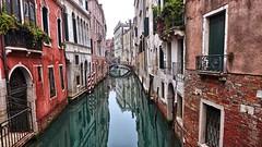 Sestiere di Castello (Luna y Valencia) Tags: sestieredicastello rialto venezia veneto laguna riflesso