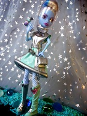 Abbey in Space (myookat) Tags: abbey monster skull high ss shores mh bominable