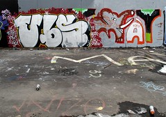 UBS & MAY? (neppanen) Tags: streetart elephant art finland graffiti helsinki may legal ubs norsu kalasatama elefantti discounterintelligence suvilahti sampen