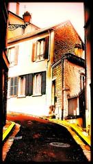 Street (Giulia_) Tags: france maison rue monte ville vieille pontoise mar12