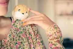 (Natlia Viana) Tags: flores cute hamster fofo littlehamster natliaviana