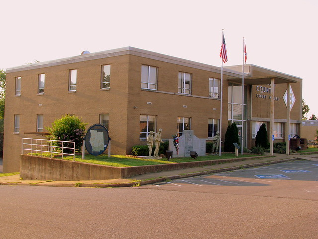 Stewart County Courthouse - Dover, TN