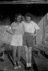Nita Witten & Anne Stubbings (Craig Siczak) Tags: kodak drug blacktown aboriginal boxbrownie stubbings rootyhill marialockdescendants craigsiczak cjmscommunications