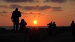 S1070053 (maa) Tags: strand marina israel telaviv meer sonnenuntergang himmel wolken menschen wellenbrecher mittelmeer kkljnf