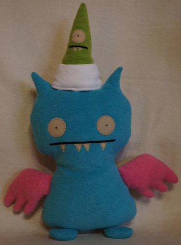 Uglydoll Handmade David Horvath and Sun Min - Sleepy Chilly Ice Bat
