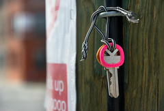 Keys to the Kingdom (Andy Marfia) Tags: chicago keys lost iso200 utility pole tied f56 westloop 11000 d7100 1685mm