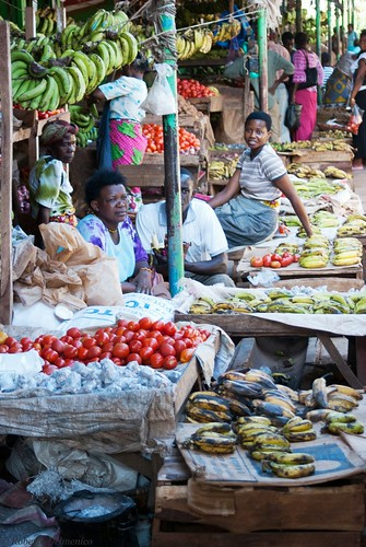 """Malindi_Mercato (8 di 13) • <a style=""""font-size:0.8em;"""" href=""""http://www.flickr.com/photos/121308622@N02/13991743832/"""" target=""""_blank"""">View on Flickr</a>"""