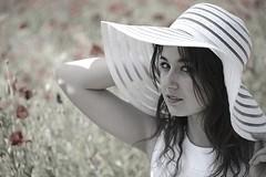 Romane (Michel Seguret thanks you all for + 8.1 M views) Tags: portrait girl field nikon chica feld portrt teen poppies campo ado fille ritratto mdchen champ coquelicot ragazza d800 michelseguret