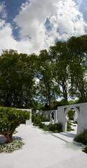 Chelsea Flower Show 2015 (Simon Caunt) Tags: flowers london gardens outdoors flora chelsea gardening bluesky blueskies largeformat thegreatoutdoors britaininbloom outdoorliving bloominlovely vertorama nikkor2470mmf28 nikond800 alovelydayinmay summersnearlyhere chelseaflowershow2015