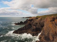 Slains (M1249687 E-M1 12mm iso200 f5.6 1_500s) (Mel Stephens) Tags: 20150524 201505 2015 slains aberdeenshire scotland uk olympus omd em1 microfourthirds mirrorless coast coastal pro 1240mm mzuiko m43 f28 28 gps q2