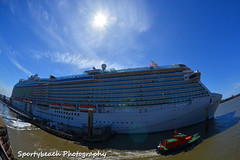 Royal Princess (jonnywalker) Tags: cruise liverpool ship waterfront princess cruiseship mersey merseyside princesscruises royalprincess merseyferries