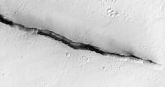 ESP_045081_1875 (UAHiRISE) Tags: mars nasa jpl mro universityofarizona uofa ua landscape science geology