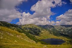 #nikon #d3200 #romania #retezat #mountains #lake #zanoaga #clouds #view (ana.vlad05) Tags: clouds mountains lake romania d3200 view retezat nikon zanoaga