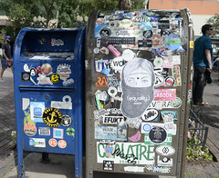 Message Board (tacosnachosburritos) Tags: aspen colorado co thestreets street photography man guy boy girl woman chick lady town rocky mountain high elevation wealthy rich resort