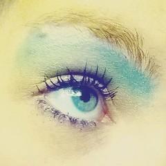 Yesterday's makeup: rainbow eyeshadow (+ some rogue eyelashes)! #rainbowhighlighter #rainboweyeshadow #rainbow #makeup #cosmetics #makeupoftheday #MOTD (Jenn ) Tags: instagramapp square squareformat iphoneography uploaded:by=instagram stinson