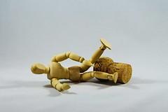 IMG_8050 (LezFoto) Tags: macro closeup canon eos 700d ef100mm f28l manikin woodenmanikin 125mm cork bottlecork fallen ouch