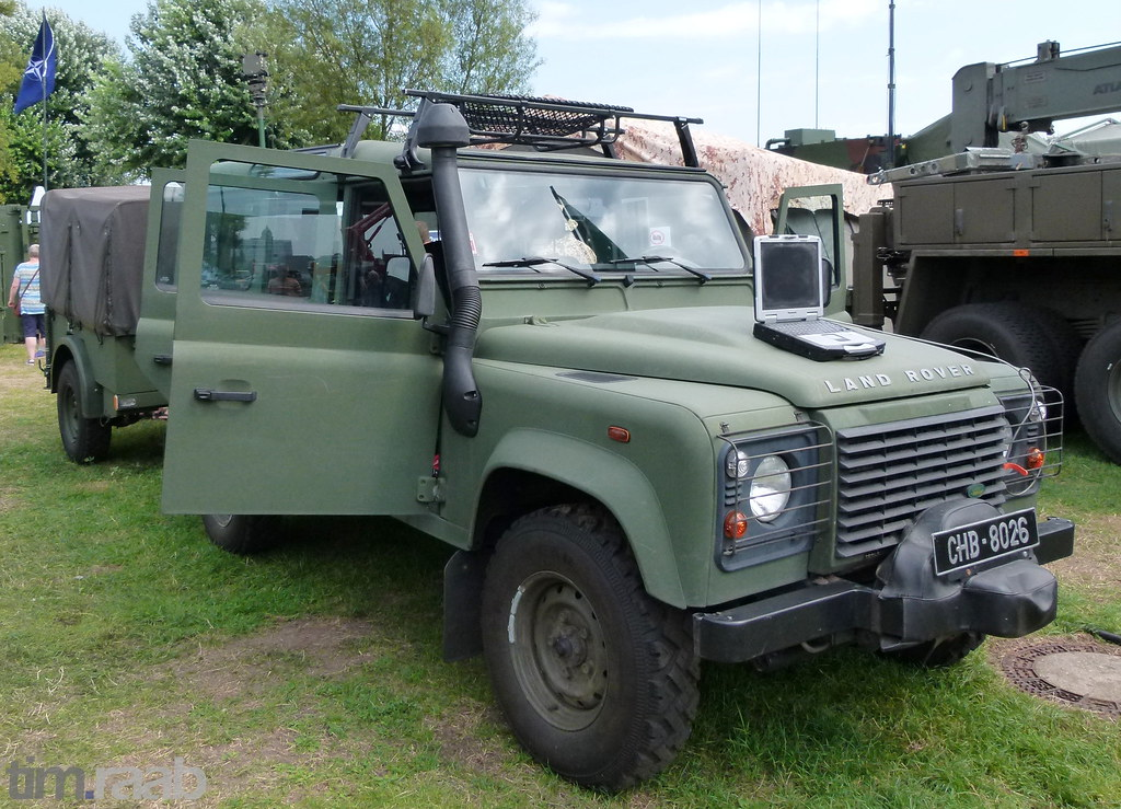 the world 39 s best photos of landrover and military flickr hive mind. Black Bedroom Furniture Sets. Home Design Ideas