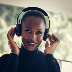 In the groove (Frank Busch) Tags: frankbusch frankbuschphotography black germany headphones heidi model music portrait possenhofen smile woman wwwfrankbuschname