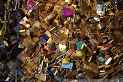 """Compromissos"" / ""Commitments"" (rcamboim) Tags: frança paris îledefrance france nikon d5300 padlock padlocks cadeado cadeados bridge lovers"