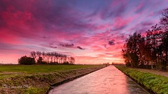 Finally some color (EXPLORE) (Ellen van den Doel) Tags: natuur zonsondergang sunset nature water weer 2016 weather goereeoverfklakkee november outdoor landschap kleur lucht color netherlands sky clouds landscape trotsopflakkee wolken field sommelsdijk zuidholland nederland nl