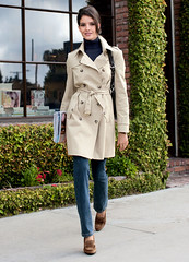 Trench (betrenchcoated) Tags: trenchcoat doublebreasted beautifulgirl buttons raincoat
