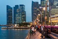 People chilling on bridge, Singapore (varlamov) Tags: bridge people architecture bay nikon singapore lamppost d4 nikond4
