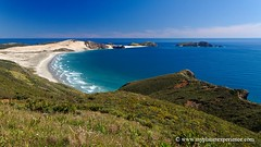 Te Werahi Beach - New Zealand (My Planet Experience) Tags: voyage trip travel sea newzealand canon coast photo nz cape northisland maori northland kiwi tasman northern peninsula capereinga neuseeland novazelndia oceania nuevazelanda austral  nuovazelanda nouvellezlande  aupouri ocanie   tewerahibeach motuopaoisland   tererengawairua  thetasmansea  selandiabaru wwwmyplanetexperiencecom myplanetexperience  mariavandiemen