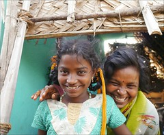 Fun (Chloe Pariset) Tags: portrait india smile happy countryside women asia asie campagne sourire bonheur tamilnadu femmes inde southindia indiancountryside indedusud campagneindienne