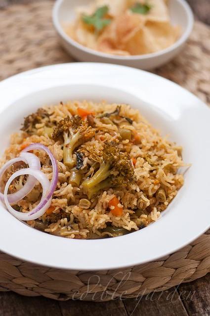 veg biryani recipe - rice cooker pressuer cooker veg biryani