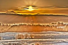 Camels Hump_sun HDR (CaptiveLight.US) Tags: burlington sunrise vermont south camels hdr vt hump sunbeams