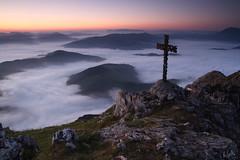 (koldoeh) Tags: naturaleza natura montaa niebla mendia udalaitz gurutzea country euskal herria pas vasco basque udalatx behelainoa paesi koldoeh baschi koldocarrillo