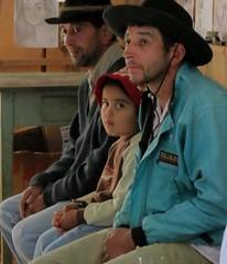 Trabalhadores do campo (jakza) Tags: de famlia spy chapu trs colonos sentados caipiras campeiros mulada jakza crianahomens trabalhadoresdocampo