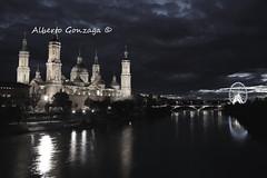 Night in Zaragoza (Alberto Gonzaga Ramiro) Tags: sunset pilar night del basilica zaragoza alberto ebro hdr noria gonzaga