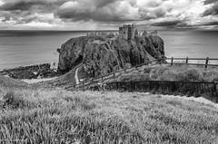 Dunnottar Castle (michael.mu) Tags: bw castle scotland nikon tokina dunnottar 1116 d7000 tokinaaf1116mmf28 atx116prodx silverefexpro