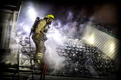 lmh-rundtjernveien134 (oslobrannogredning) Tags: bygningsbrann brann brannvesenet brannmannskaper slokkeinnsats brannslokking brannslukking røykdykker røykdykkere røykdykking begrensningslinje