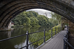 Durham Cathedral (memories-in-motion) Tags: uk england durham cathedral church wear river bridge fluss landschaft cityofdurham historic old trees canon travel sightseeing zeiss distagon 21mm zeissdistagont2821ze canoneos5dmarkiii brcke ufer