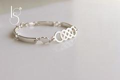 Pulsera infinitos (Lasa Joyas) Tags: lasajoyas infinito corazn heart infinity silver plata handmadejewelry joyeraartesanal iniciales friendship amistad braceletsthattellstories