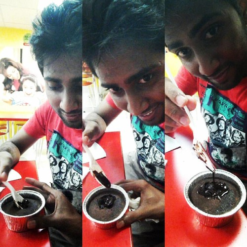 Enjoy the Lava.... #chokolava #cake #dominos #myspoon #myfood #myway #instashots #instafood #hot🔥 #daystoremember #instadays #instaselfies #ACWcliX #ACW