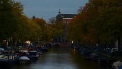 Prinsengracht / De Duif (Skylark92) Tags: nederland holland netherlands amsterdam centrum centre prinsengracht water gracht canal de duif church kerk