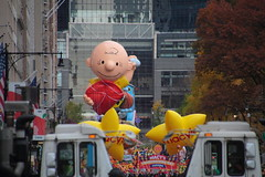 IMG_2349 (neatnessdotcom) Tags: tamron 18270mm f3563 di ii vc pzd canon eos rebel t2i 550d macys thanksgiving day parade