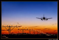 El Prat - Spooting 2016 (Havaux Photo) Tags: catalunya catalua barcelona elprat prat aeroport aeropuerto avions aviones cel cielo capvespre atardecer spooter colors colores llums luces blau azul nubols nubes havaux photo robert