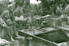 (B Plessi) Tags: musocco cimitero ebraico maggiore milano italia decay bw death morte mort statue scultura