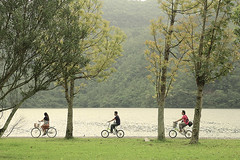 (nodie26) Tags: portrait people mountain lake water pool girl bicycle scenery tour walk feel lakes deep taiwan trail  hualien              lohas