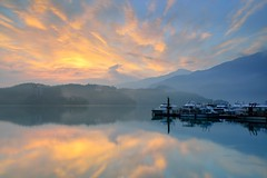 Glow at Sun Moon Lake   (Vincent_Ting) Tags: morning sunset sky lake water clouds sunrise dawn pier taiwan galaxy   sunmoonlake