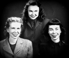 Willa, Joyce and Rosemary (Cassi J) Tags: bw vintage familyportraits vintageclothing vintagephotographs