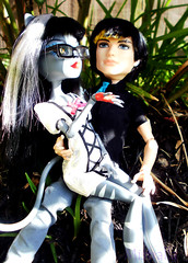 Jackson/Purr Outside Bonus (MistrallaMilky) Tags: monster high signature jackson basic jekyll werecat purrsephone werecats